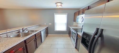 1644 Veanna Drive, Fayetteville, North Carolina 28301, ,House,For Rent,Veanna,1,1031